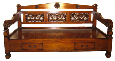 Carved Daybed 1122-